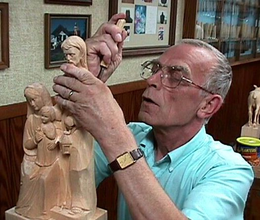 Grorg Kilhofer luther statue woodcarver